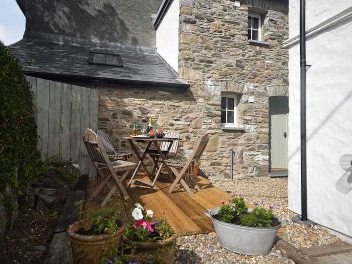 Little Roost - Spacious yet cosy cottage