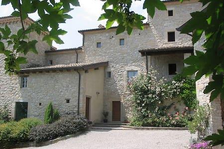 Antica casa a torre - Carpineti