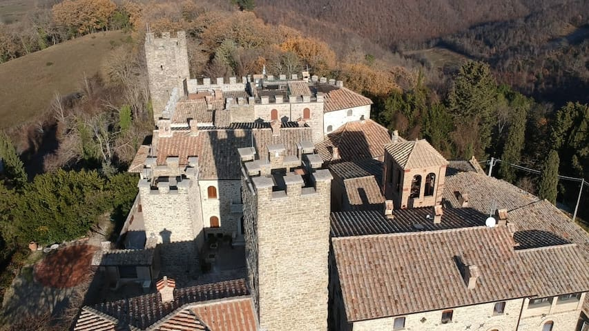 Gubbio-Assisi Castle Giomici 3 Guest Rooms