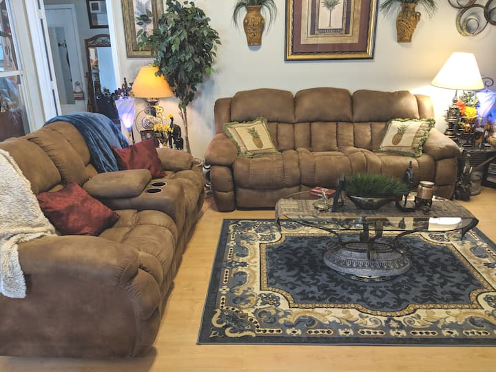Large, comfortable home in southeast Lakeland