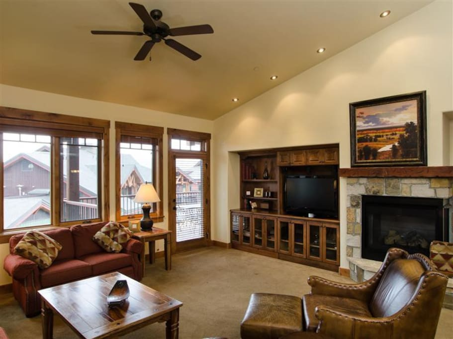 Your ultimate Steamboat Springs experience awaits at this warm and cozy condo