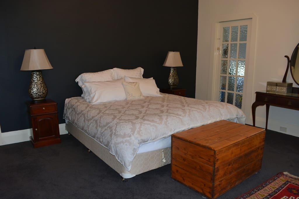 Parents retreat - enjoy a great night's sleep in our king size bed