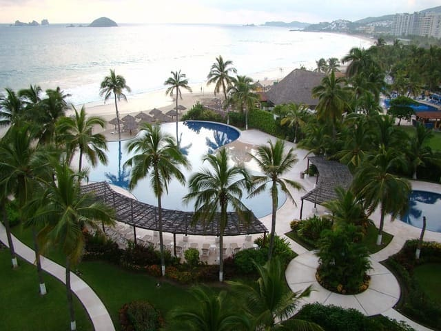 Luxury beach front condo at Amara Ixtapa