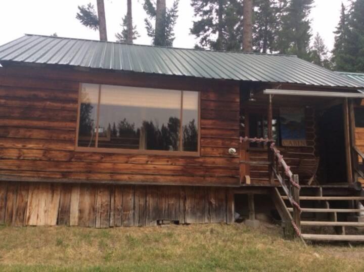 The Hill Homestead Cabin - Built 1916 by Matt Hill