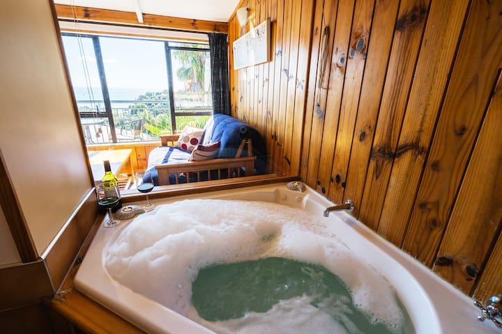 SupaCute Cottage, Dlbe Kayak, SKY TV, WIFI & Car?