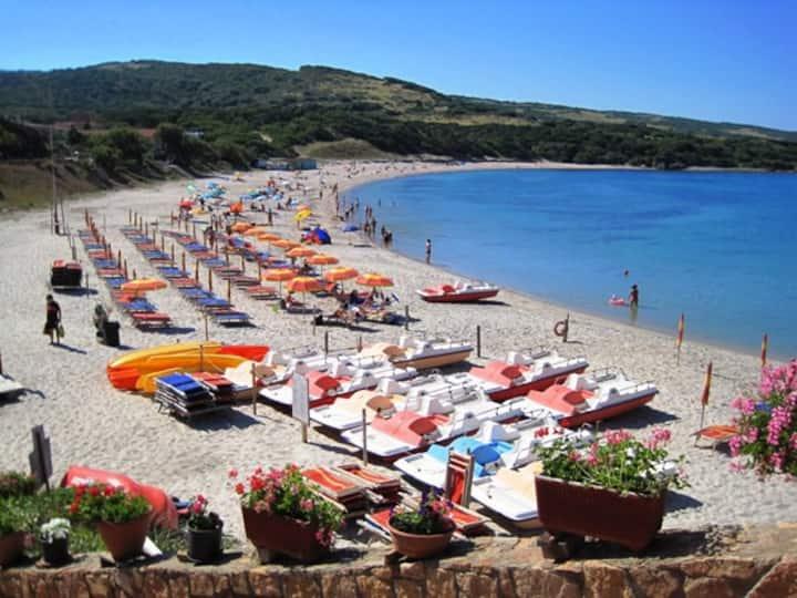 Grazioso appartamento Isola Rossa, Sardegna