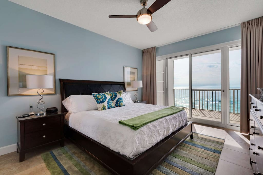 Enjoy waking up to the beautiful ocean view