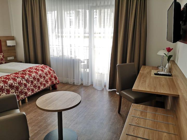 Hotel Löhr, (Baden-Baden), Premium-Doppelzimmer, 20qm, max. 2 Personen