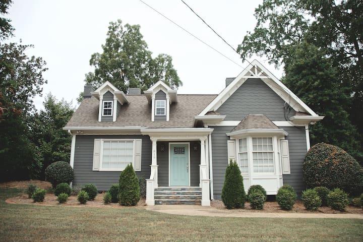 Cottage on Park