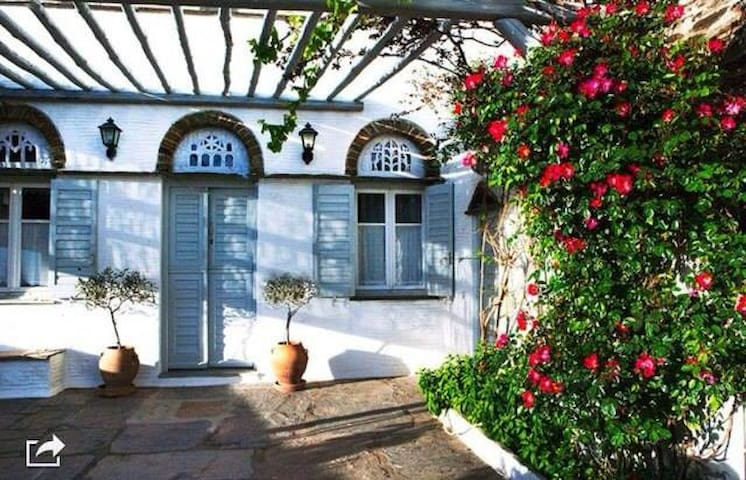 Traditional house in Tinos island!