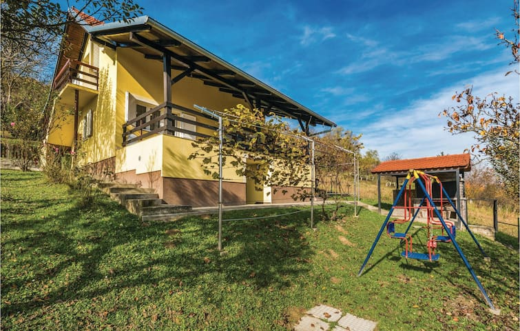 Holiday cottage with view in Sv.Kriz Zacretje