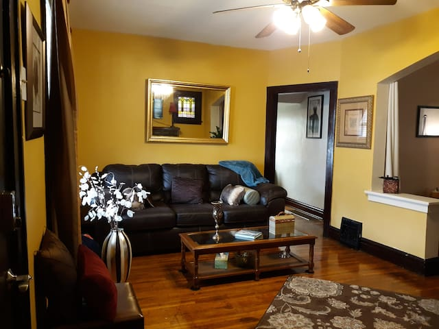 Comfortable, cozy, spacious full 1st floor.