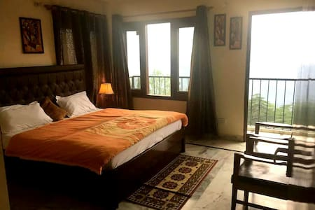 MyHome Staycations - Stunning Views - Shimla