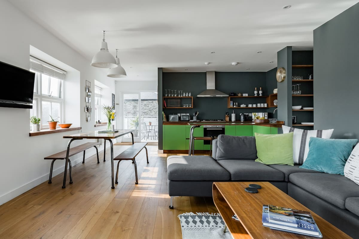 A Boutique Apartment Overlooking the Kingsbridge Estuary