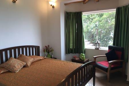 Casa Feliz - Mukteshwar - Bed & Breakfast