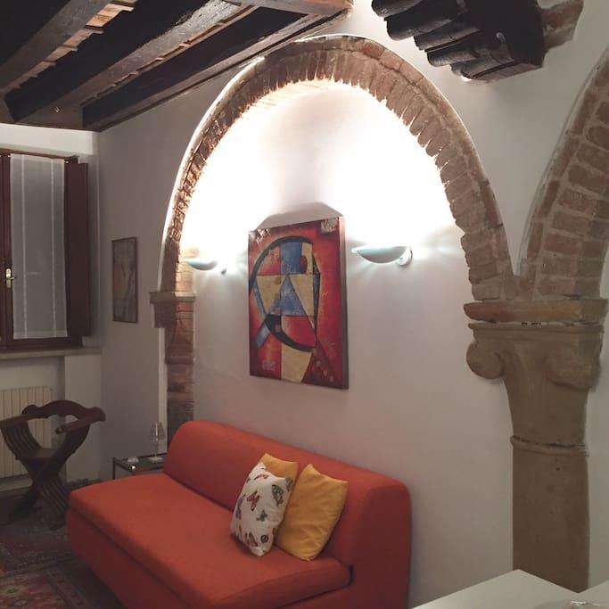 Nel cuore di mantova romantico bilocale con garage for Planimetrie dell appartamento del garage di una camera da letto