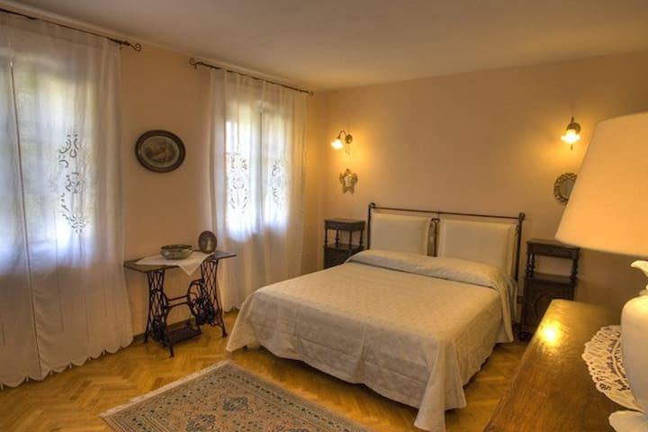 Camera Rubino con bagno riservato