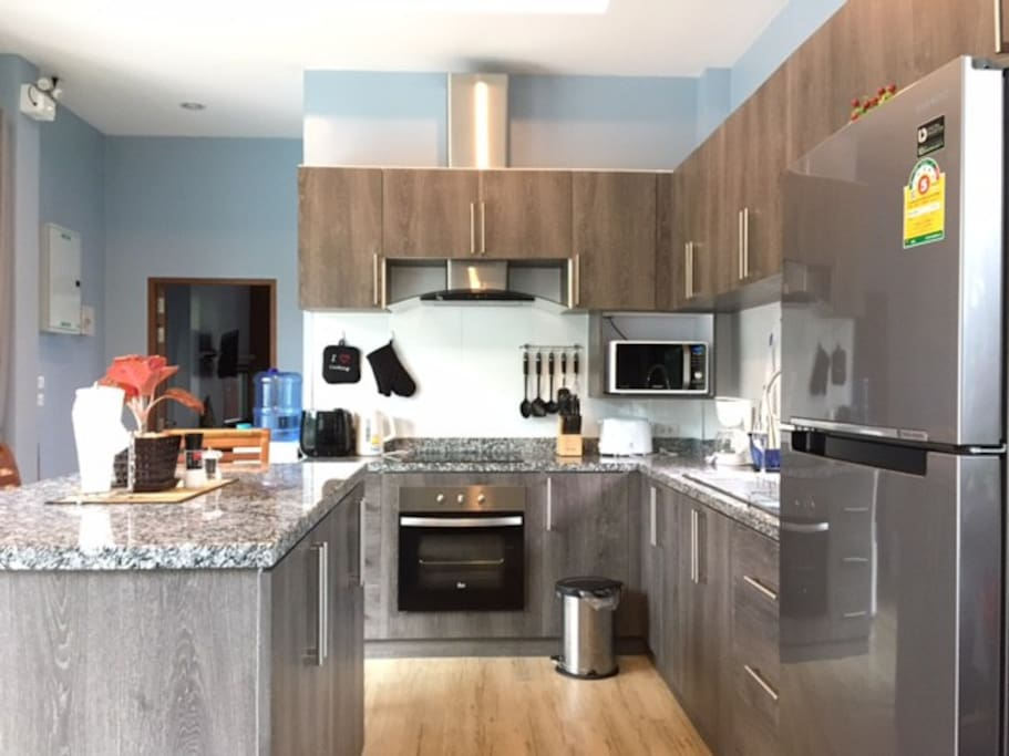 Fully Equipped Western Kitchen