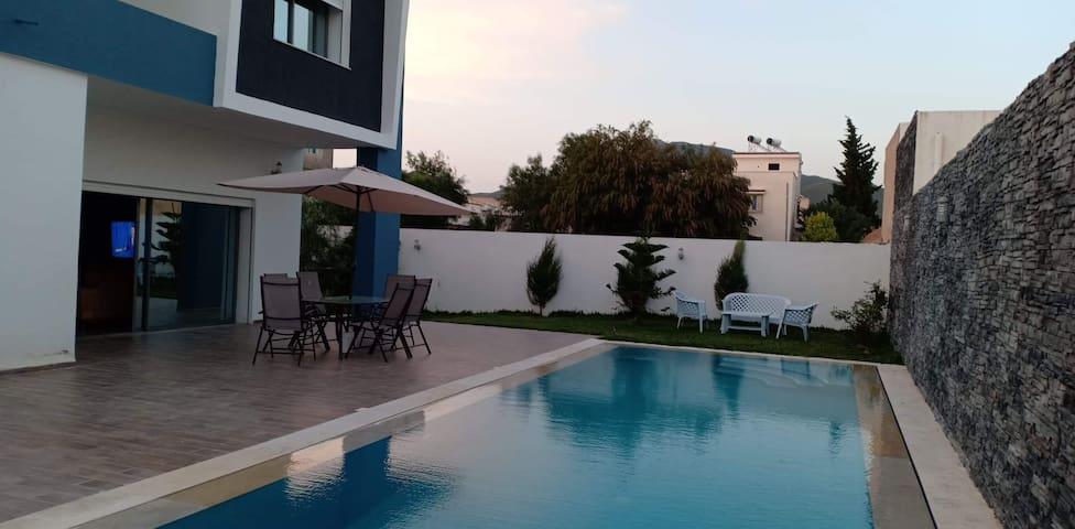 Villa avec piscine et Jacuzzi