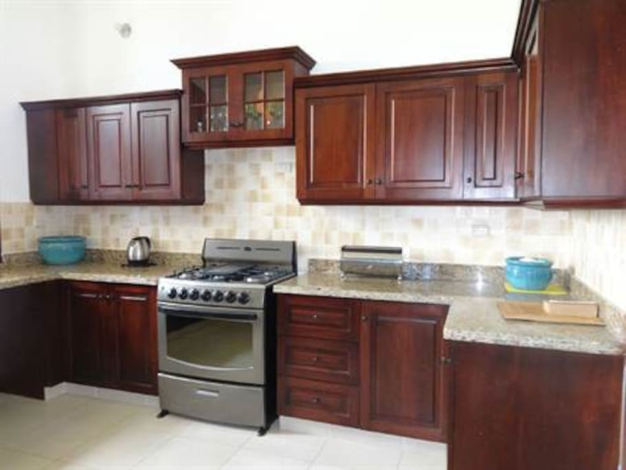 The Gourmet Kitchen Makes Cooking for Large Groups a Dream