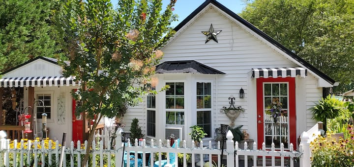 Hilltop Bed and Breakfast Cottage