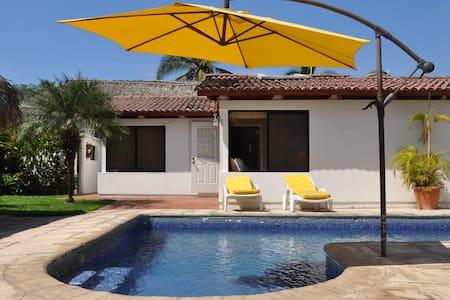 Nice Beach House Likin Guatemala - Puerto Quetzal - Casa