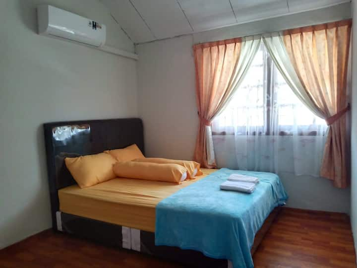 Near BCS Mall, 3 Bed Room for 6-7 pax, Free Pickup