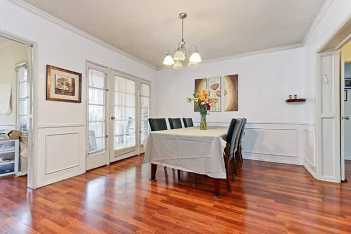 Fully Furnished 2 bed 2 bath Charming Home