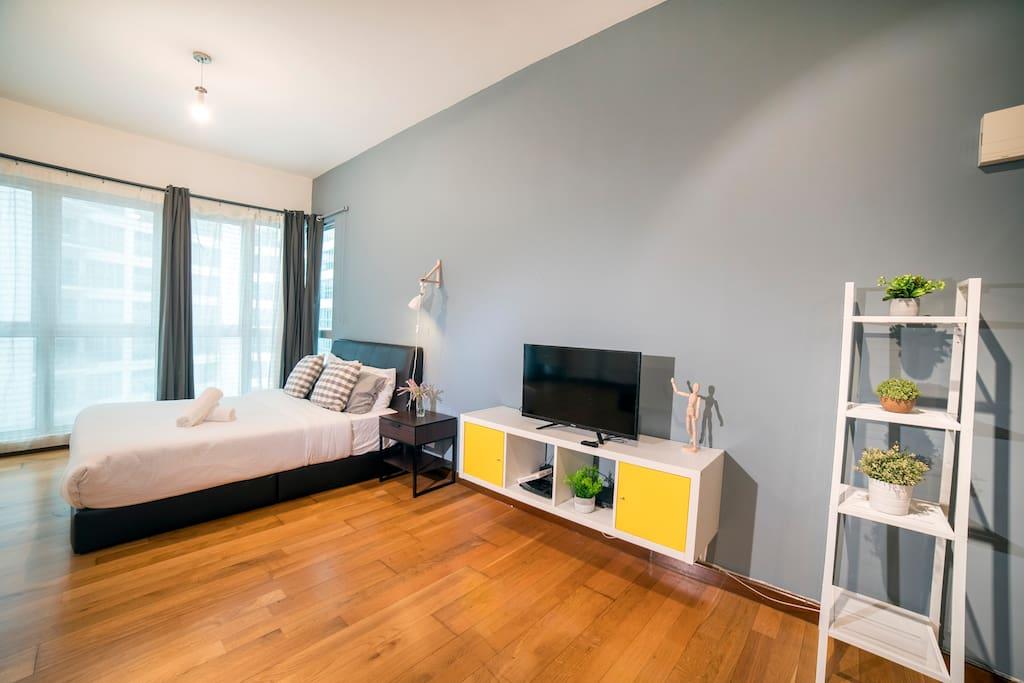 Cozy studio design with comfort bed