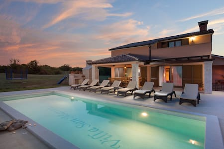 Villa San Martino for 8 guests in Istria, Croatia!