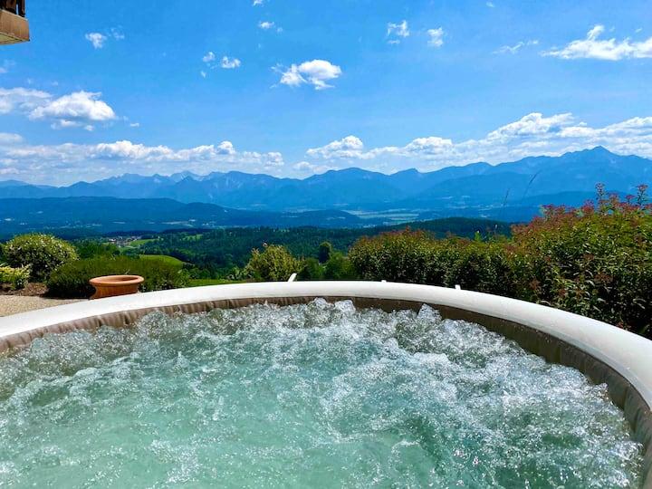 Ferienhaus mit Whirlpool und Panoramablick