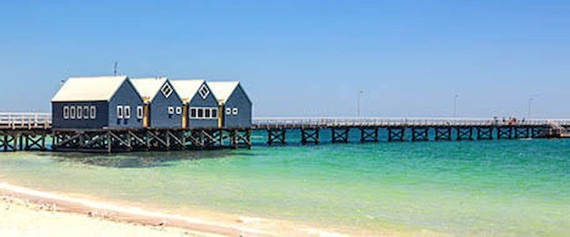 Walking to beach & city in 5 mins w 3 single beds - Busselton - House