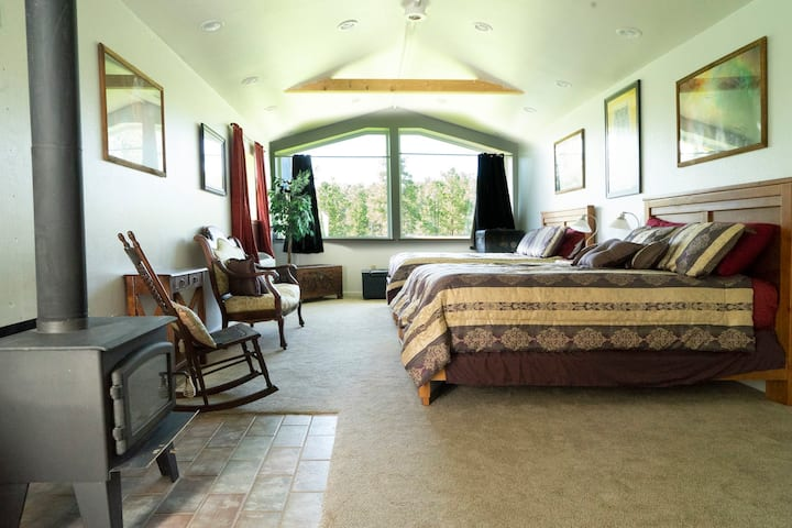 The Grand Suite - Devils Tower Lodge
