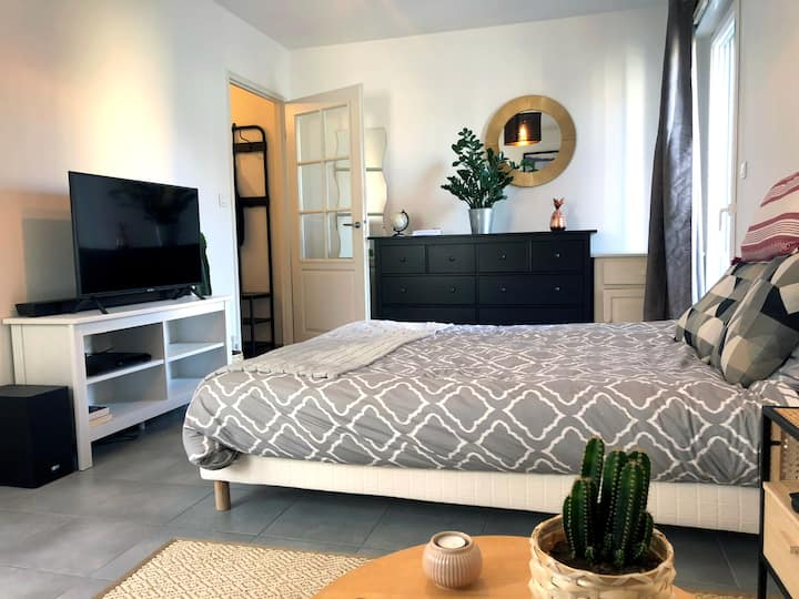 Studio calme et cozy aux Olivettes - CENTRE-VILLE