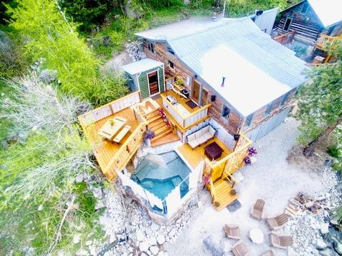 Merrifield Cabin on Creek & Private Hot-Springs