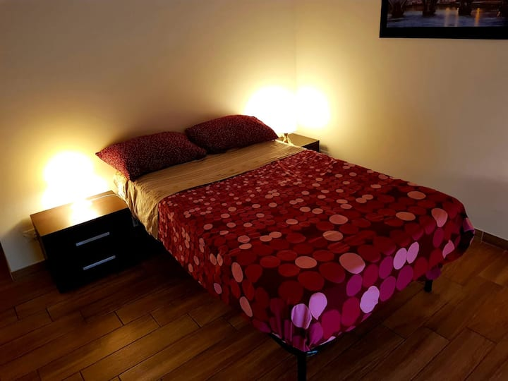 Cozy Cozy Room w/ Balcony Rome near center MetroB