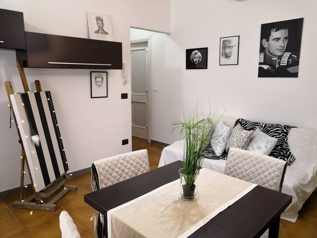 Home of Fame - close to city centre and airport