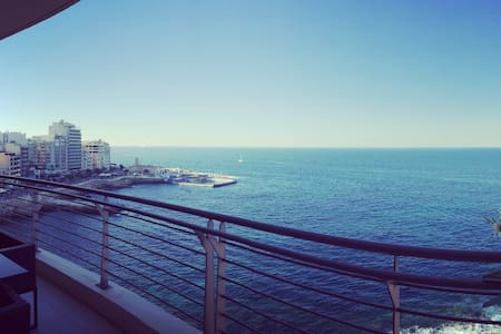 Stunning Design Open Plan Seafront Apt - 7th flr - Sliema - Apartment