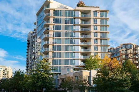 2bed 2bath Furnished in North Van. 5min to SEABUS - North Vancouver