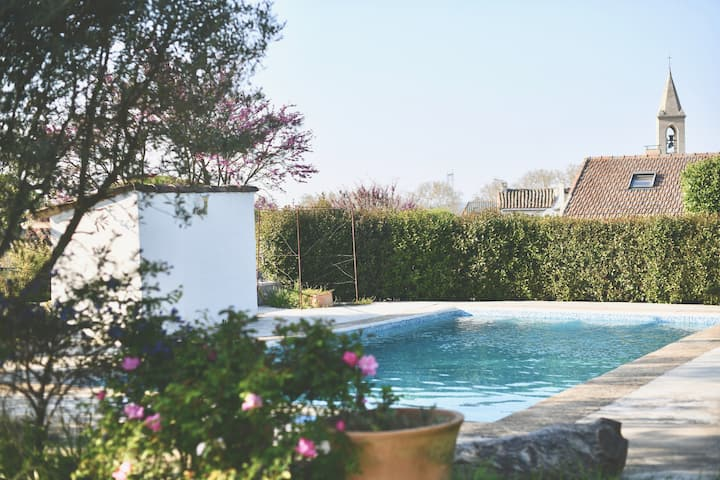 Private Suite + Swimming pool between Uzès & Nîmes