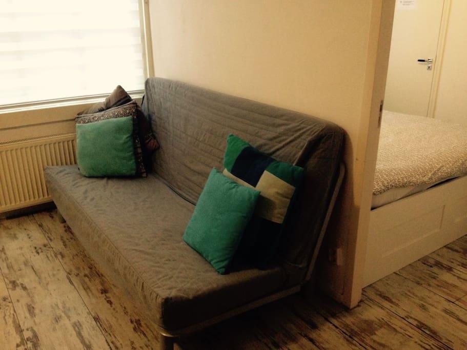 Sofa that makes a 2nd bed at night