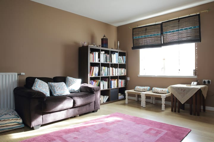 Bright Double Room- FEMALE guest only