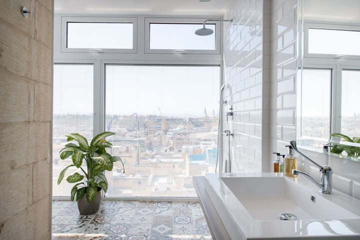 The Pinto Suite Penthouse, Grand Harbour view