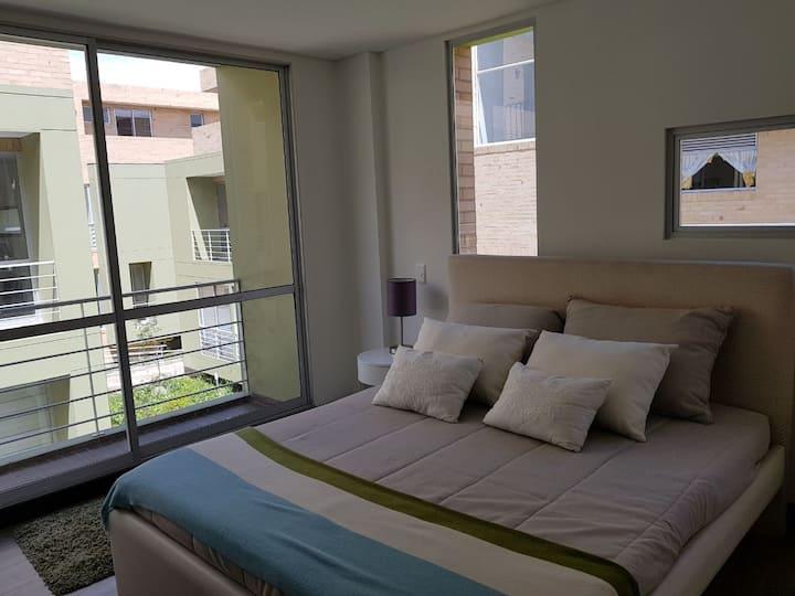 Habitación+baño+tv50'+Netflix+parqueadero+Bici