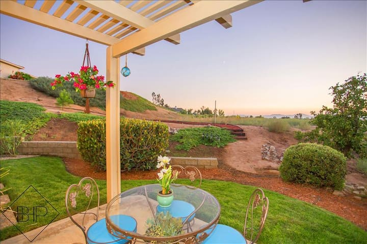 CASA del SoL: Private Home in Wine Country - Sunset and Hot Air Balloon Views! - Temecula - House