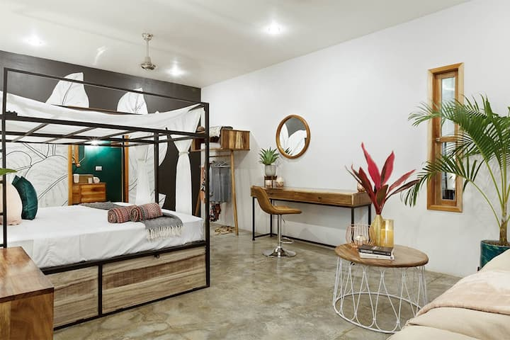 the SPACE - Boutique hostel - Master Suite + AC