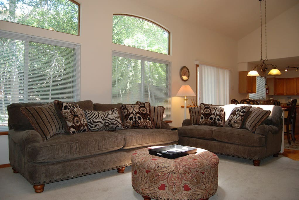 Lots of seating and open area in living room