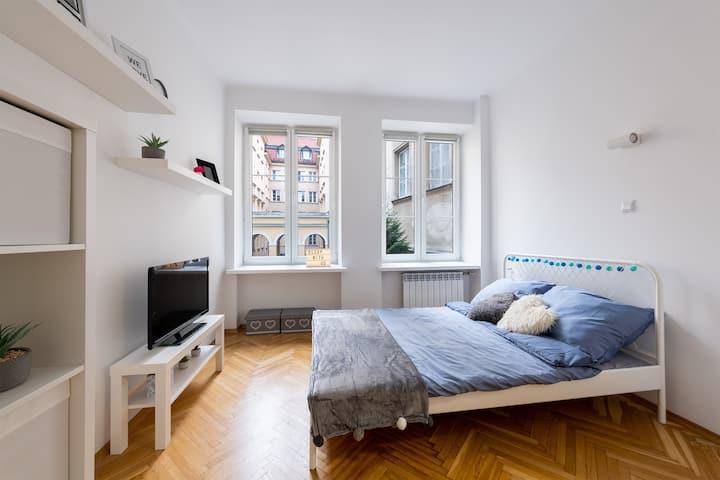 SleepWithUs Krakowskie Przedmieście 63 Apartment