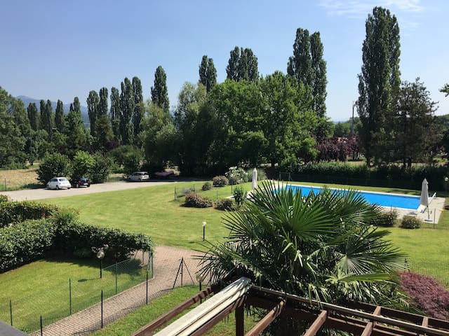 Beautiful apartment and shared pool - Varese - Byt