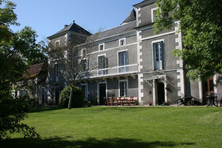 Chateau La Barge chambre Ponceau - La Boissière-d'Ans - Hrad